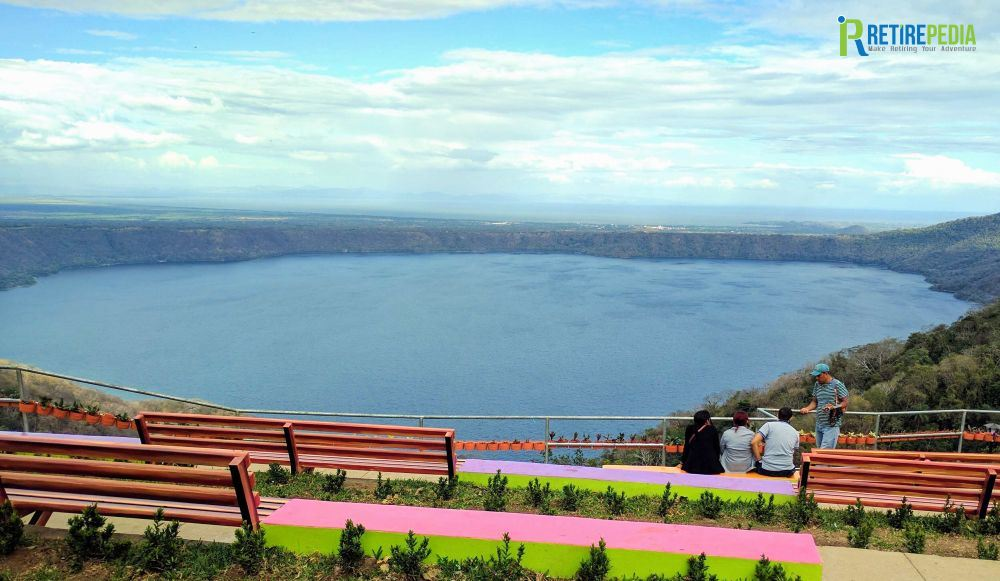 On our way from Laguna de Apoyo to San Juan del Sur we stop at Catarina to enjoy the views over the lagoon. In addition, Catarina is famous for its plant nurseries.