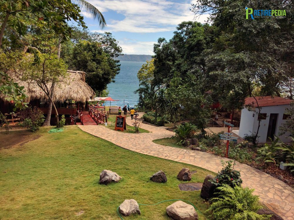 Time to relax and go for a refreshing dip at the Laguna de Apoyo. The clean, mineral rich waters of this centuries old crater lake are said to have healing powers.