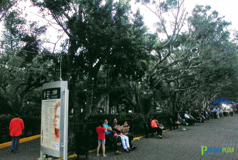 Just opposite San José church you'll find the Rubén Dario Park, one of the two main parks in Matagalpa. A safe place to hang out with the locals, enjoy a snack from the food trucks parked in front of the park and surf the Internet on the free WiFi.
